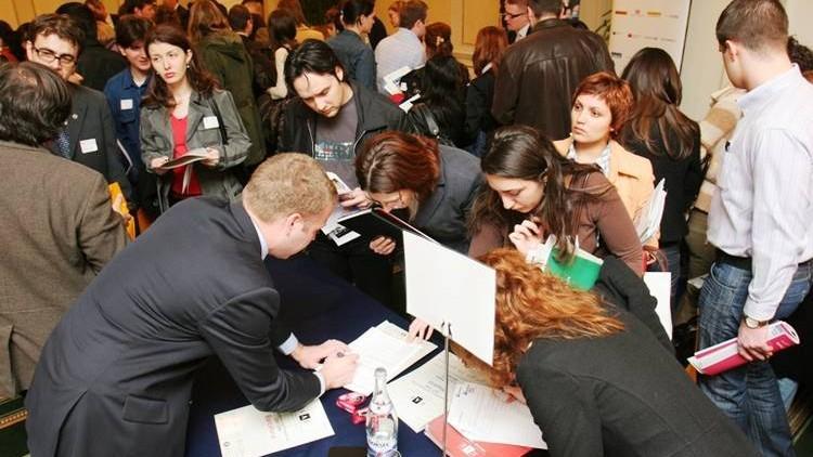 Timp de un an numărul șomerilor a scăzut cu aproape 10 mii