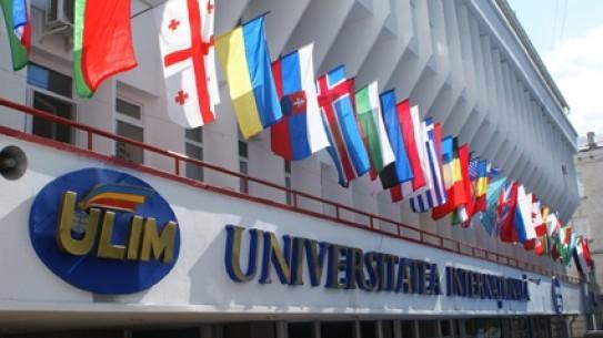 Studenții de la ULIM te invită la un târg caritabil de haine și un master-class de confecționare a păpușilor