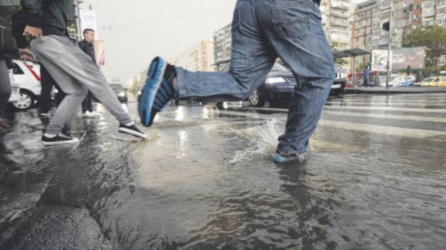 Ploile se întorc! Meteorologii au emis Cod Galben de precipitații