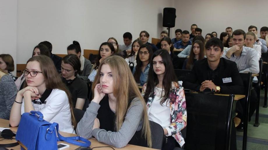 Au demarat sesiunile de examene. Cum se vor desfășura acestea în diferite Universități din Moldova