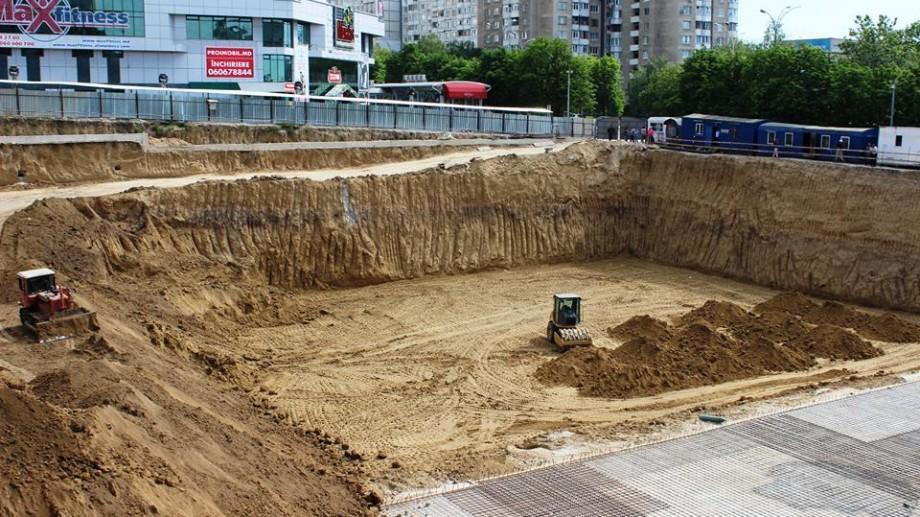 (foto, video) Ce se cunoaște până acum despre cazul surpării clădirii de la Rîșcani