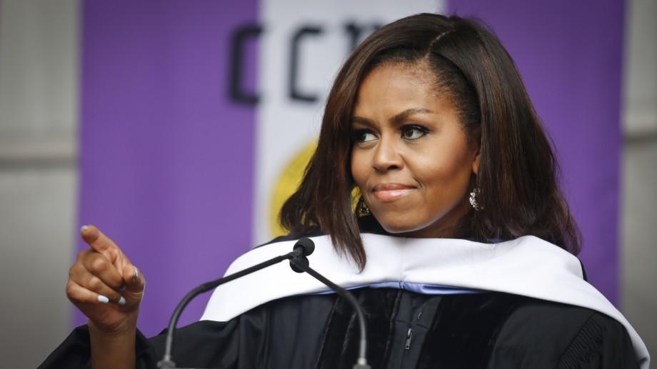 """(video) Michelle Obama, sfaturi pentru absolvenţi: """"Viaţa vă va scoate în cale multe obstacole, care vor fi mult mai grave decât o notă proastă"""""""