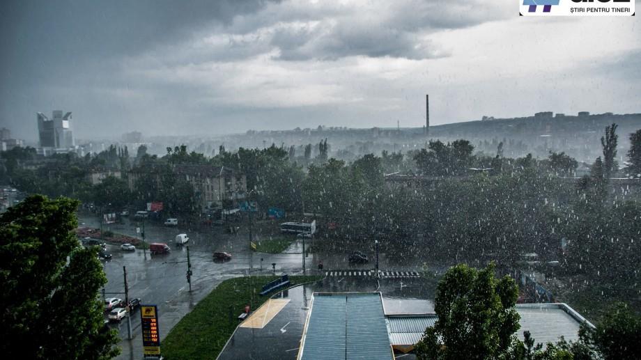 Cod Galben de instabilitate atmosferică. Ne așteaptă ploi cu descărcări electrice, grindină și vijelie