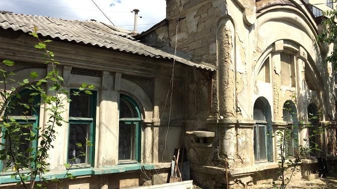 (foto) Descoperiri urbane: Casa cu două fețe și cicatricea de pe str. Vasile Alecsandri #18