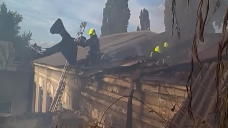 (video) 30 de pompieri au stins incendiul de la Colegiul Agricol din Soroca. Detalii