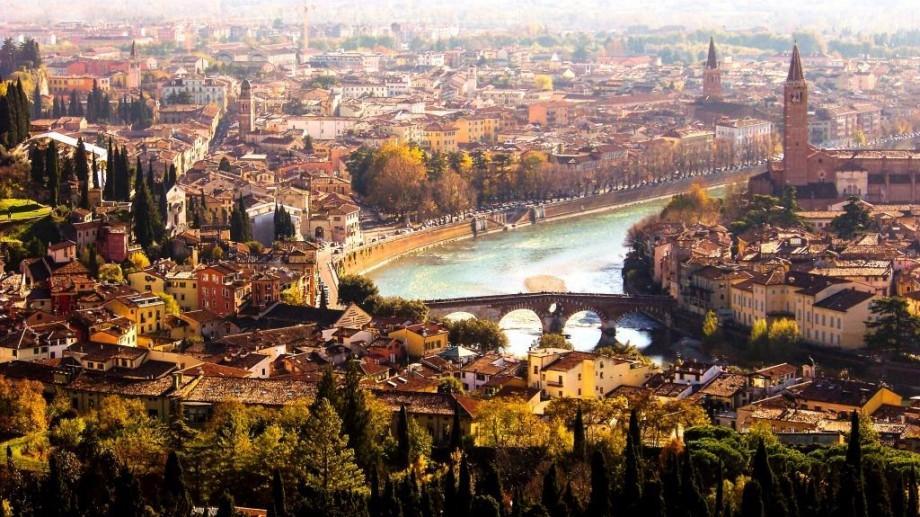 Participă într-un concurs on-line și câștigă două bilete tur-retur Chișinău-Verona!