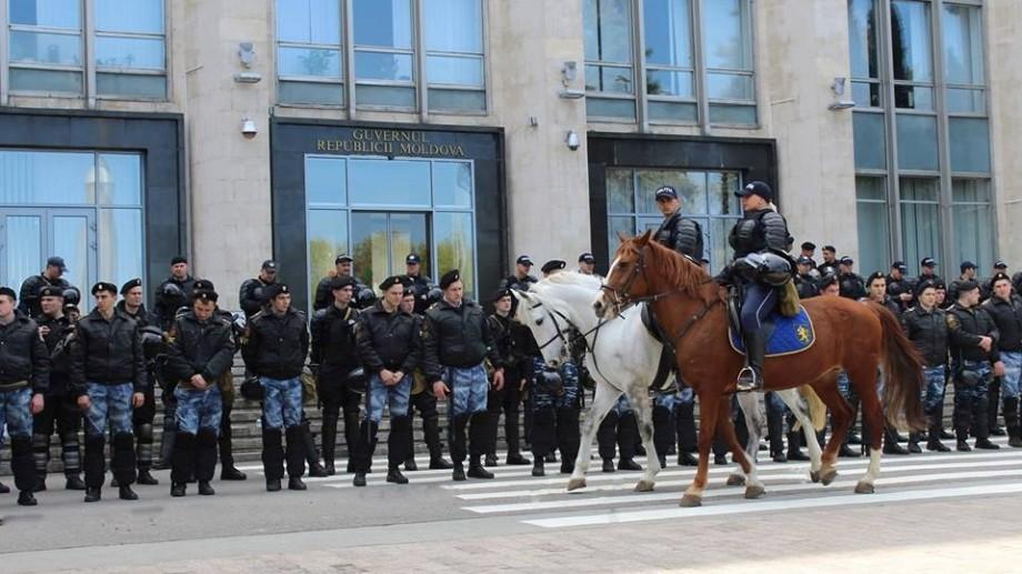 Premii de peste 7 milioane lei pentru polițiștii scoși la proteste pe 24 aprilie