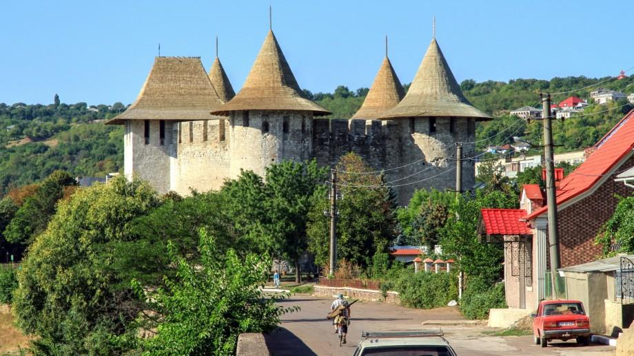 """Restaurarea """"Bijuteriilor medievale"""" continuă. Parcul de lângă Cetatea Soroca va fi reamenajat pe bani polonezi"""