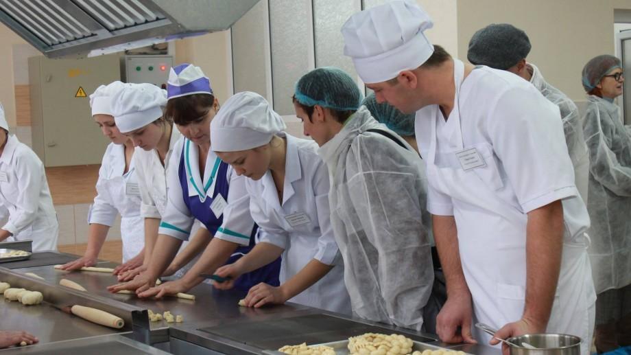 Școlile profesionale și colegiile vor fi finanțate în funcție de numărul de elevi și specificul profesiei