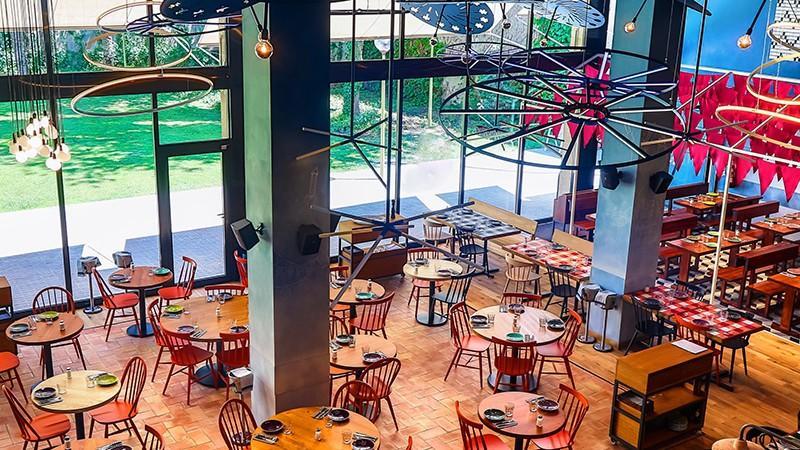 (foto) Lionel Messi și-a deschis un restaurant în Barcelona. Cum arată localul în interior