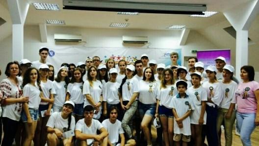 90 din cei mai buni elevi din țară vor petrece o săptămână la mare în România