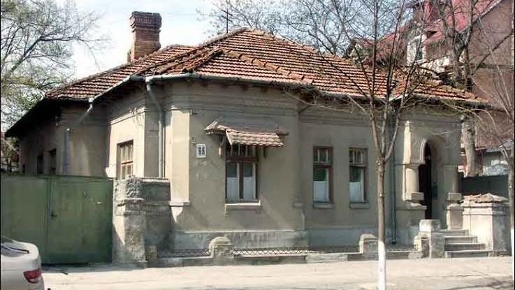 Descoperiri urbane: Kogălniceanu #69 – casa familiilor multe sub un acoperiș