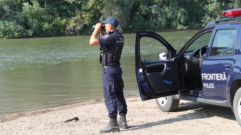Un tânăr polițist de frontieră a decedat după ce a fost maltratat de trei indivizi
