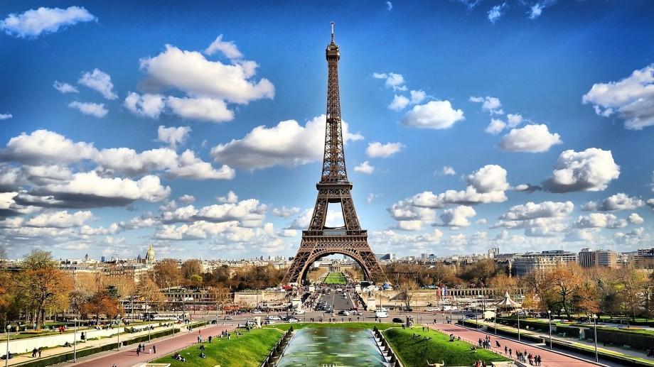 """Poți să vezi Parisul și să câștigi 70.000 de euro. Participă la concursul """"Liberté-Égalité-Fraternité"""" 2016"""