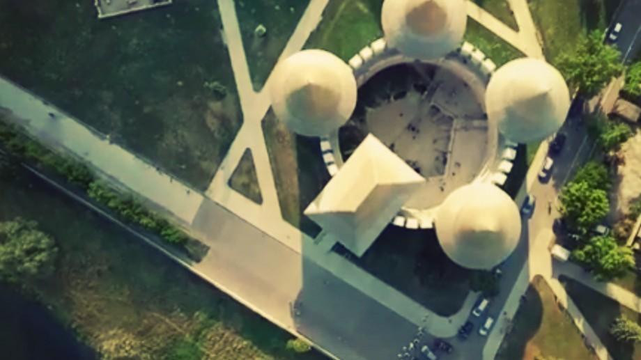 (video) Un renumit vlogger român a filmat Cetatea Soroca de la înălțime. Cum arată bijuteria medievală de sus