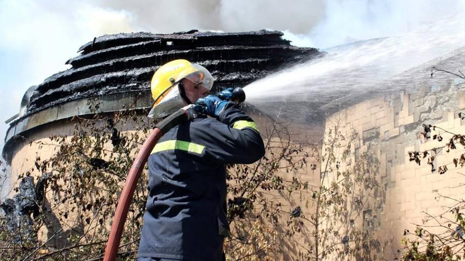 (foto, video) Clădirea incendiată de la Botanica a fost localizată. A luat foc fostul Institut Energetic