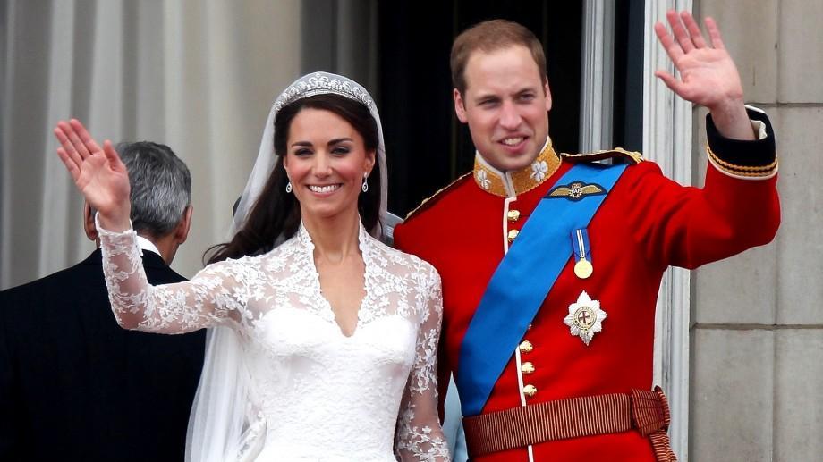 Prințul Wiliam și Kate vor deveni regele și regina Marii Britanii. Ce a influențat decizia Elisabetei a II-a