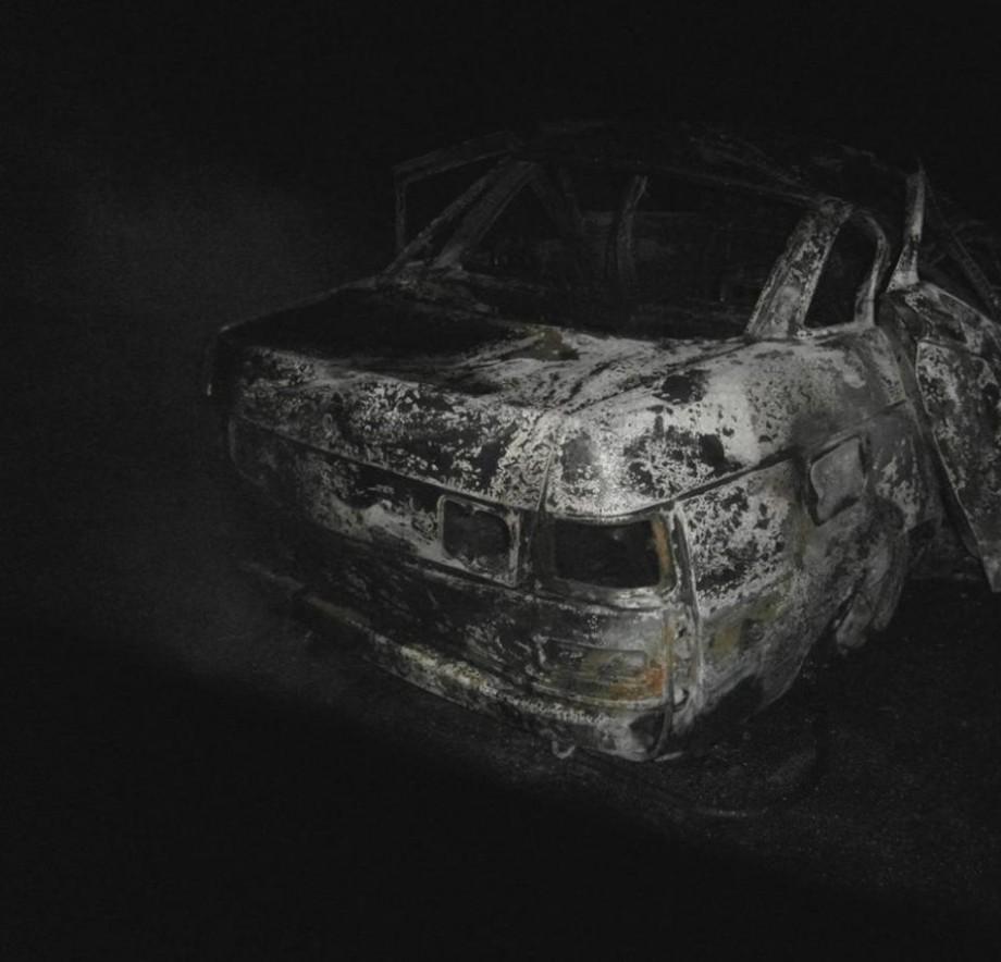 (foto) Un automobil a luat foc în apropiere de Leova: două tinere și-au pierdut viața