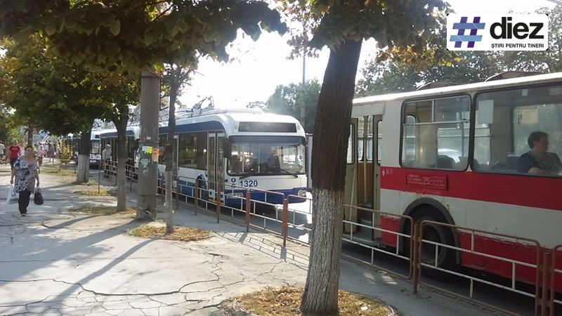 (foto) Accident în lanț și ambuteiaj lângă Circ. Mai multe mașini au fost avariate