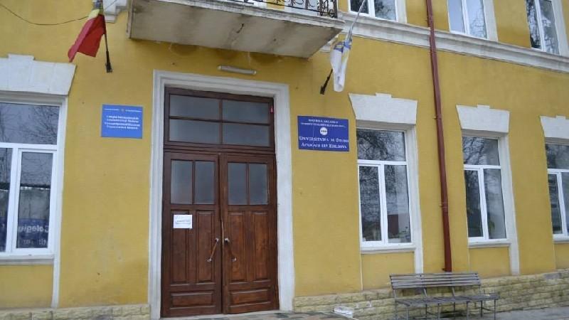 Un colegiu din Chișinău a organizat sesiunea de admitere, deși nu era în drept să o facă