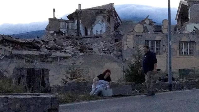 (foto, video) Cutremur cu magnitudinea de 6,2 grade, în centrul Italiei. Un oraș a fost distrus