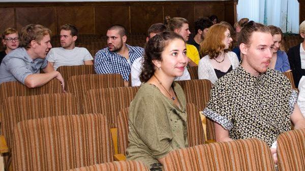 Tineri germani învaţă româna la o scoală de vară organizată la Chişinău