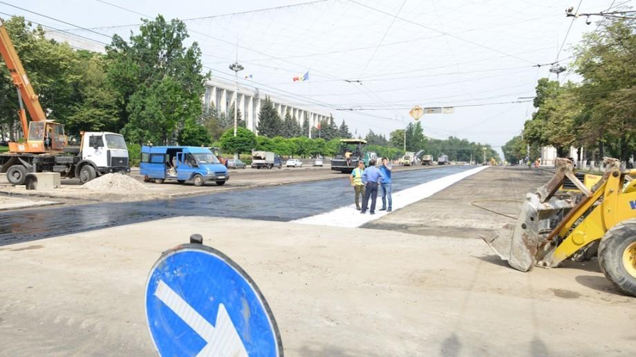 Cum și cât va mai fi suspendat traficul rutier pe bulevardul Ștefan cel Mare