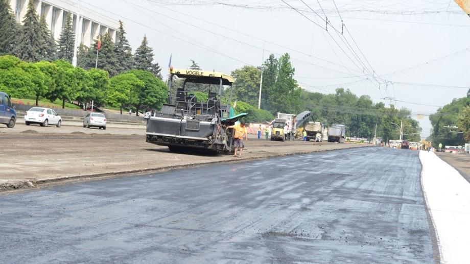 Cum va fi suspendat traficul rutier și cum va circula transportul pe bd. Ştefan cel Mare în luna august