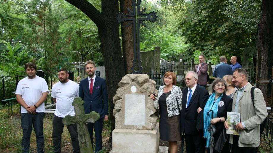 (foto) În Chișinău continuă conservarea patrimoniului cultural polonez