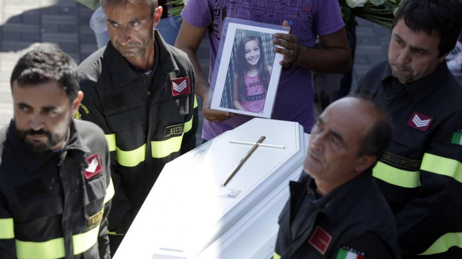 Seismul din Italia: Scrisoare emoționantă a unui pompier către o fetiță pe care nu a mai reușit să o salveze
