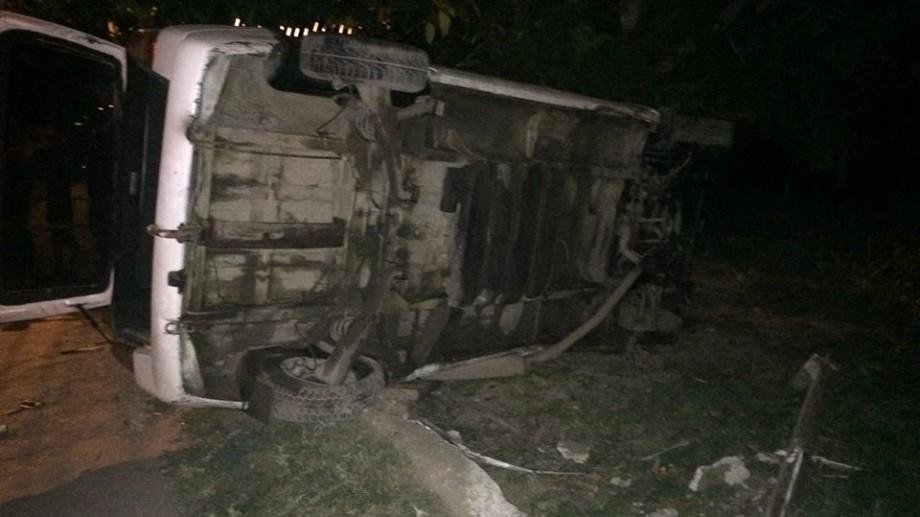 (foto) Durlești: Un microbuz a accidentat grav o fetiță de 13 ani. Unchiul ei a decedat pe loc