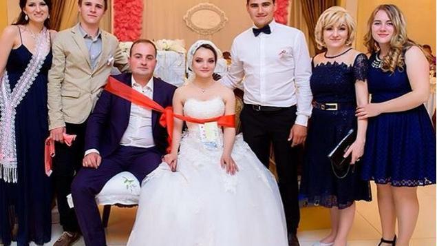 (foto) Vornicele, colaci și multe tradiții. Cum sunt văzute nunțile moldovenești pe Instagram