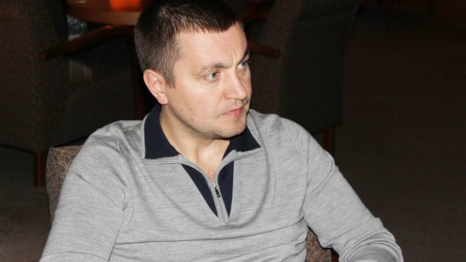 Investigație: Veaceslav Platon a folosit, în ultimii 12 ani, nu mai puțin de 16 pașapoarte