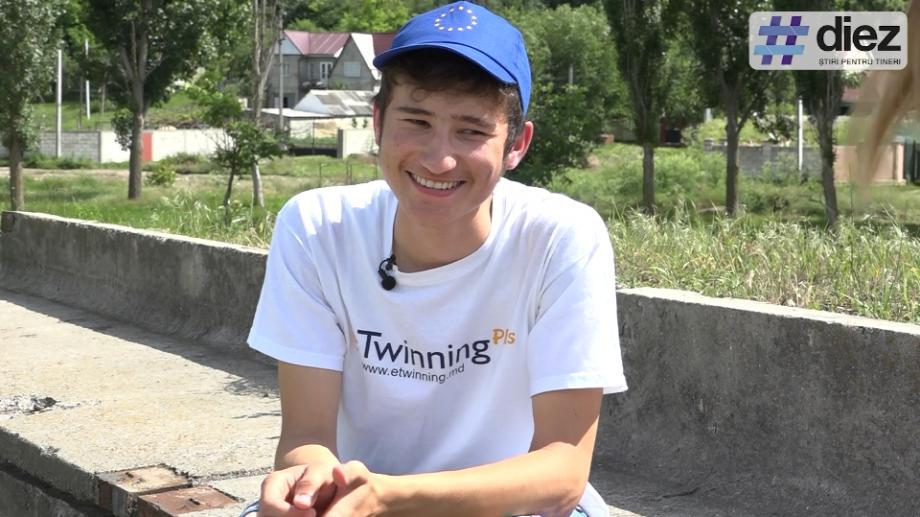 (video) Unde-s tinerii: Răzvan Chirița: Dragi tineri, implicați-vă, fiți păsători de tot ce se întâmplă în jur