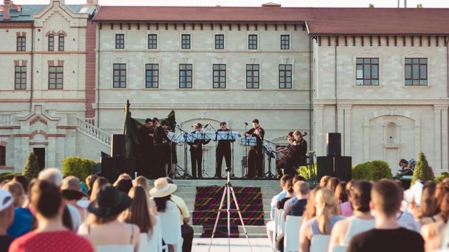 """(video) Muzica clasică e la ea acasă. Urmărește rezumatul Festivalului Moldo Crescendo – """"Conace"""""""