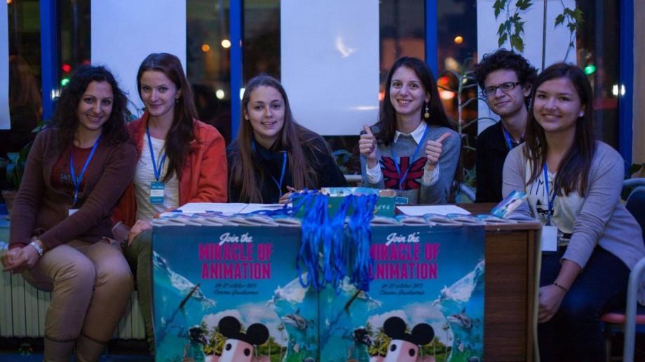 Anim'est 2016 este în căutare de voluntari! Nu pierde șansa să faci parte din echipă