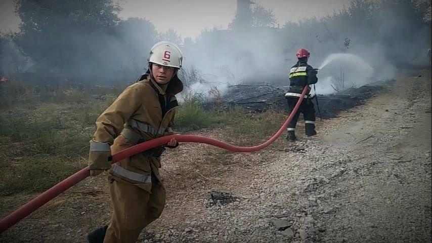 (video) Arde Moldova! 45 de focare de vegetație au fost înregistrate doar într-o zi