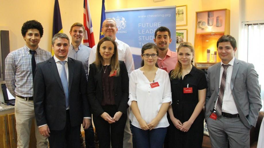 (foto) Șapte tineri din Moldova își vor urma studiile de masterat în Marea Britanie. Cine sunt bursierii Chevening 2016/2017