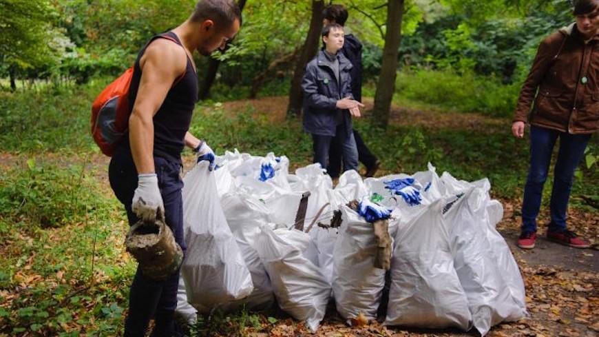 Totalurile campaniei Hai Moldova: Peste opt mii de saci cu gunoi au fost adunați în municipiul Chişinău