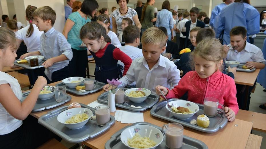 Unor grădinițe și școli nu le ajung bani să implementeze noile meniuri