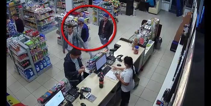 (video) Dacă îi cunoașteți, informați imediat Poliția! Trei tineri au furat un portmoneu dintr-o benzinărie