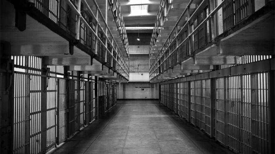 Doi tineri din Glodeni riscă 10 de închisoare pentru tâlhărie. Iată ce faptă au comis