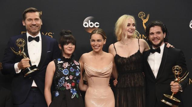 """Premiile Emmy 2016 – Lista câștigătorilor: """"Game of Thrones"""" a luat 12 statuete"""