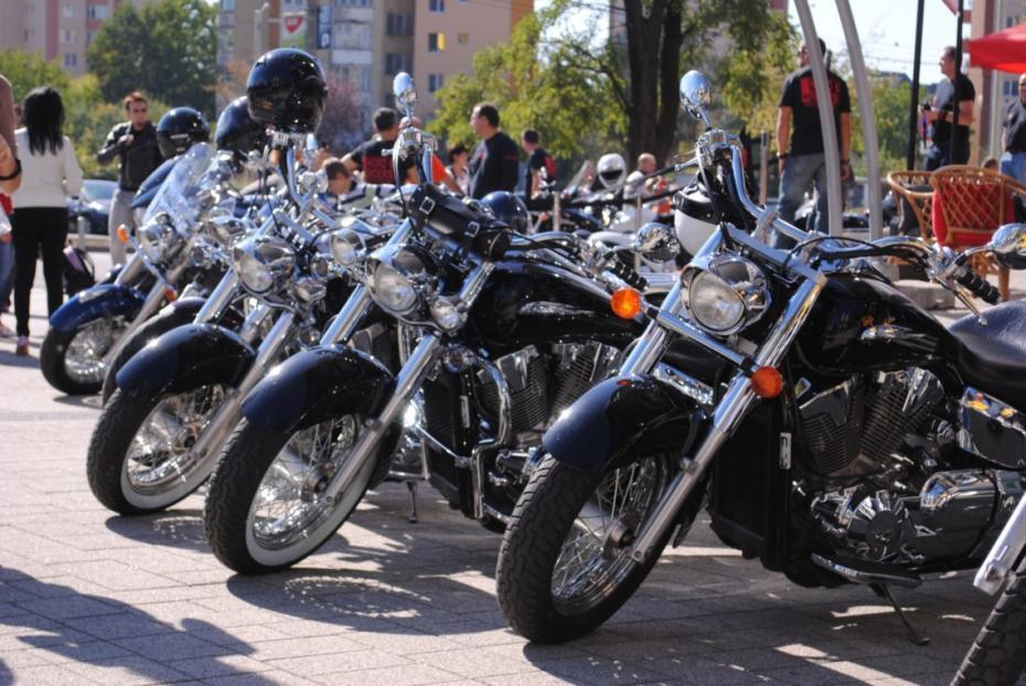 baia_mare_sezonul_moto_s_incheiat_cu_o_parada_motociclistilor_21579400-1140x763
