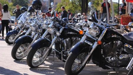 Duminică, sute de motocicliști organizează o cursă la Chișinău