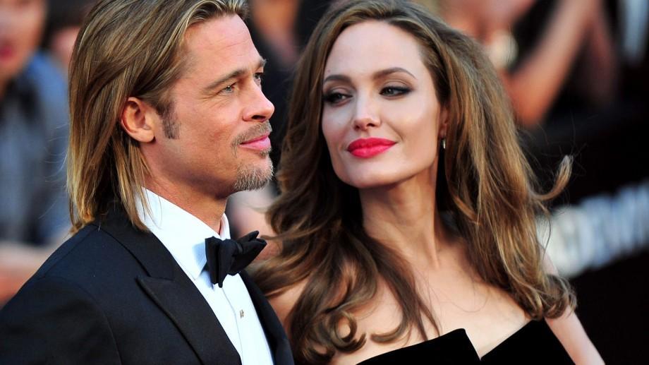 Cel mai frumos cuplu de la Hollywood divorțează.  Angelina Joli Brad Pitt se despart după 12 ani de relaţie