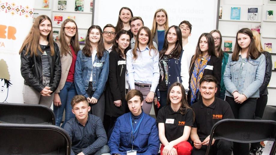 Participa la Programul de Mentorat Y-PEER și obține informație corectă despre sănătatea sexual reproductivă