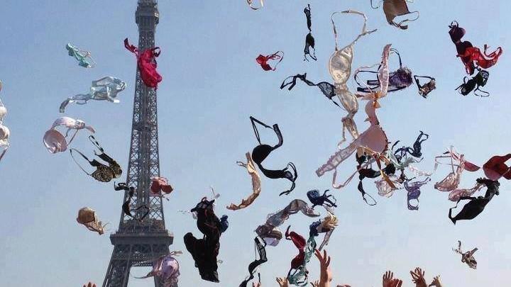 Pe 13 octombrie femeile din întreaga lume renunță la sutien
