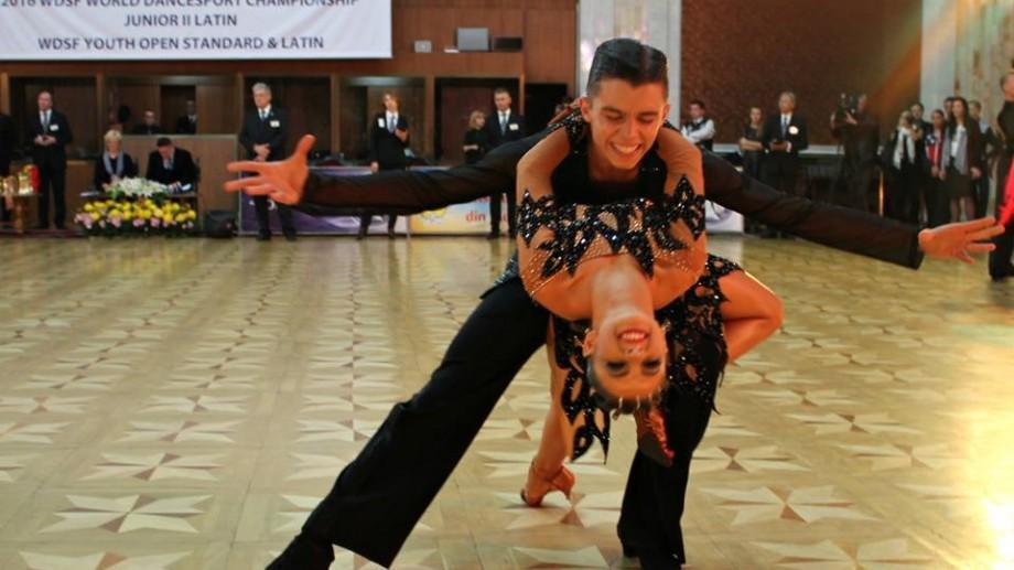 (foto) Chișinăul a găzduit în acest week-end Campionatul Mondial de Dans Sportiv