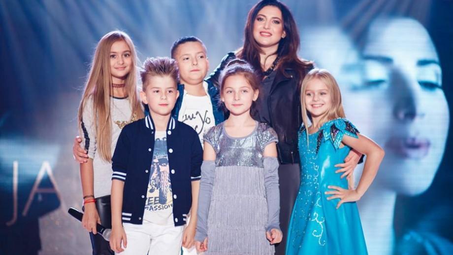 """(foto) Trupa Casei de Producție Jasmin """"DULCE BAND"""" a susținut un mega concert la Orhei"""